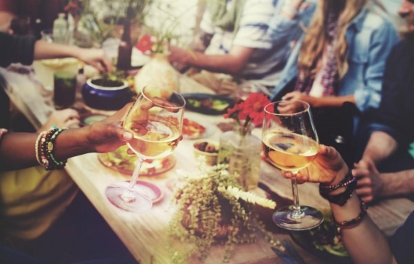 How To Turn Down A Dinner Invitation You've Already Accepted