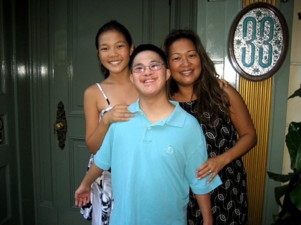 Club 33 – The Gee Family