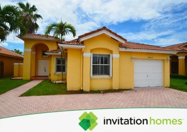 1062 Nw 129th Place, Miami, Fl 33182